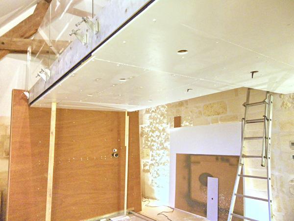 Application des panneaux au plafond