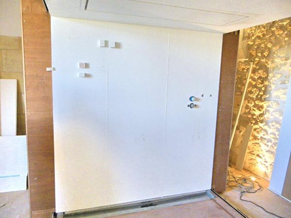 Réalisation des murs de douche en Corian